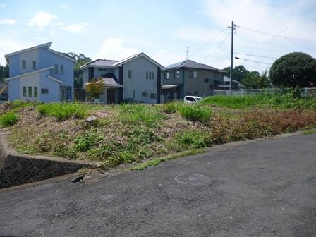 宮司公園横 閑静な住宅街 100坪のゆったり土地